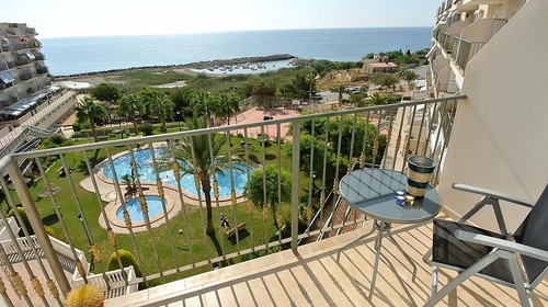 FANTASTIC PENTHOUSE, SEA VIEWS, 20m FROM THE BEACH!-937